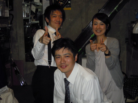 042915_live16.JPG